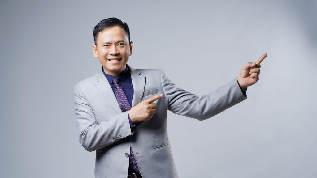 Nguyễn Tài Tuệ - hướng dẫn  và đào tạo những người mong muốn khởi nghiệp có thể thành công với nghề tư vấn bảo hiểm